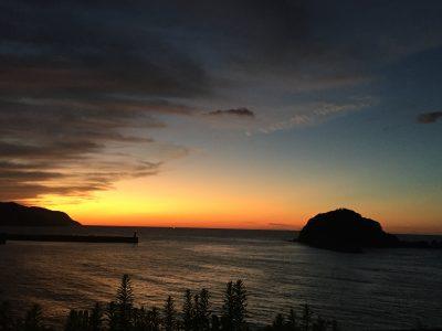 秋の落陽~美しい香住港近海。紅く染まりながら尚青い~素敵な光景にも出会えるかも。